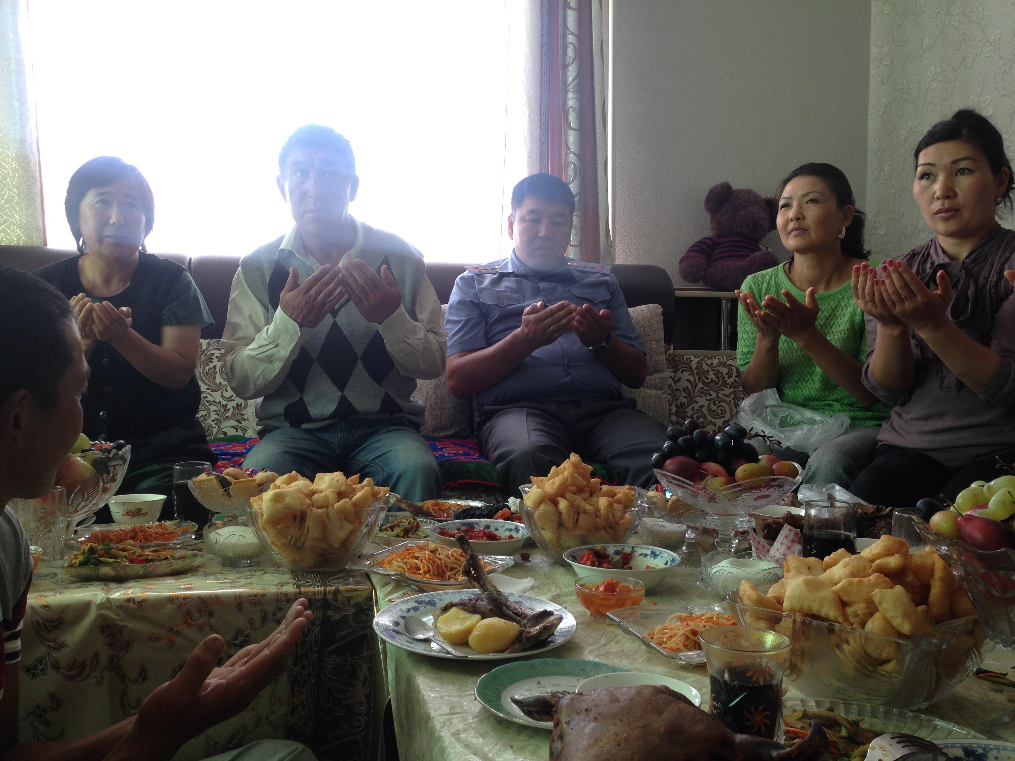 Tash Komur Married women in
